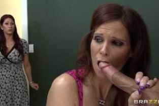 filme porno cu matusa isi fute