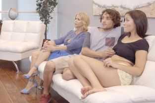 filme porno cu sora si fratele vitreg