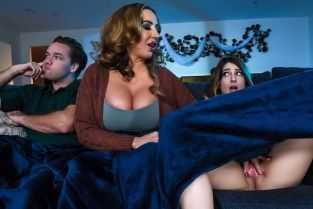 latina superba isi filmeaza partida de sex