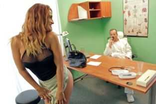 xxx anal cu doctori in timp ce pacienta doarme